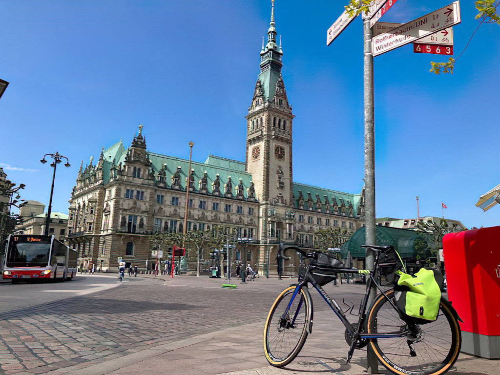 Bike at Hamburg City Hall